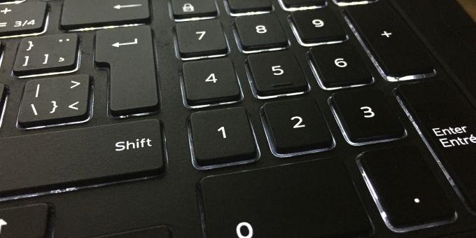 Как добавить цифровую клавиатуру на клавиатуру в Windows 10